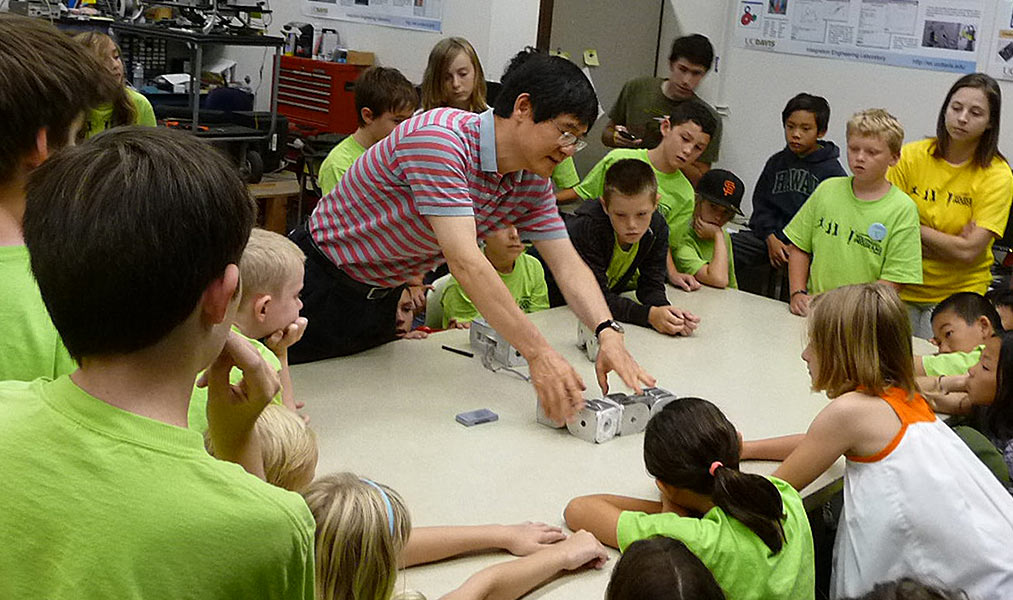 Harry Cheng uses robots to teach school children computing, math and algebra in a fresh, engaging way.
